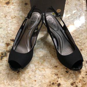 New lifestride black peep toe sling backs